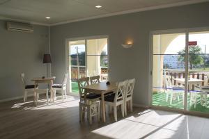 Villa Welwitshia Mirabilis, Guest houses  Carvoeiro - big - 17