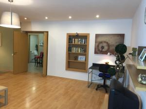 Newstroy Apartment 1, Апартаменты  Тихвин - big - 51