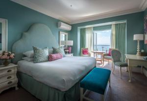 Roslin Beach Hotel - London