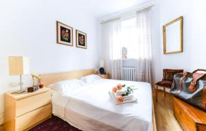 Sunny Apartment in Old Town