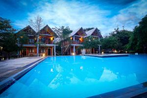Elephas Resort & Spa - Kuda Migaswewa
