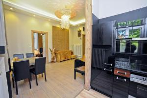 Africana Apartment
