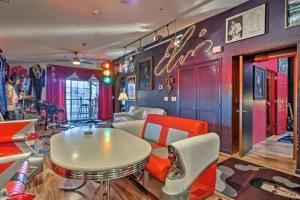 King Condo at Holiday Hills - Apartment - Branson