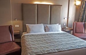 Hotel Ahdoos, Отели  Сринагар - big - 8