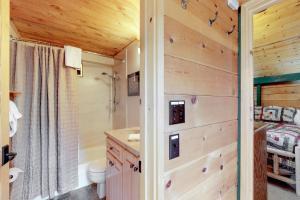 32 Cabin Cluster Ln, Prázdninové domy  Sunriver - big - 36