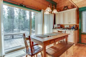 32 Cabin Cluster Ln, Holiday homes  Sunriver - big - 12