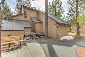 32 Cabin Cluster Ln, Holiday homes  Sunriver - big - 11
