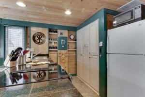 32 Cabin Cluster Ln, Prázdninové domy  Sunriver - big - 59