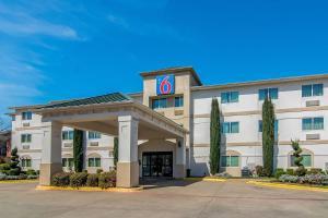 Motel 6-Dallas, TX - North - R..