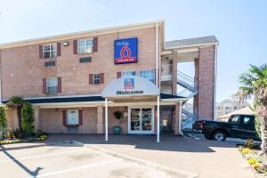 Studio 6 Dallas - Plano Medical Center