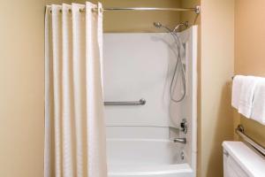 Super 8 by Wyndham Bossier City/Shreveport Area, Hotel  Bossier City - big - 47