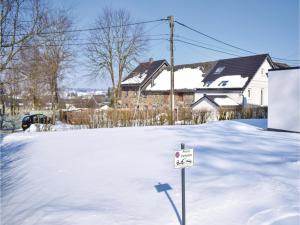 Elona, Ferienhäuser  Butgenbach - big - 13