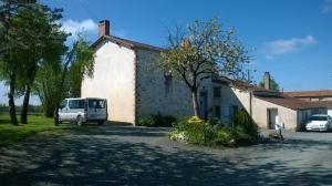 Chez Florymarysol, Bed and breakfasts  Vendrennes - big - 17