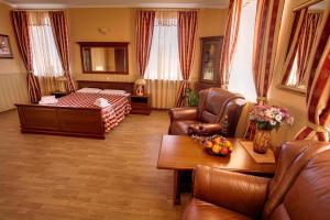 Korona Hotel, Szállodák  Csubinszke - big - 43