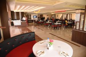 Auberges de jeunesse - Grand Kingfisher Hotel