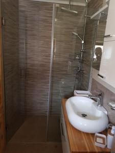 Guesthouse Green Valley, Affittacamere  Jezerce - big - 55