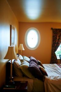 BriMar Bed and Breakfast, Отели типа «постель и завтрак»  Тофино - big - 2