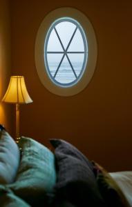 BriMar Bed and Breakfast, Отели типа «постель и завтрак»  Тофино - big - 4