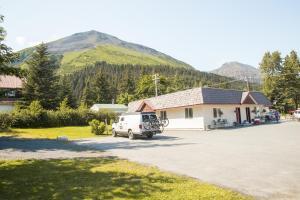 Trailhead Lodging - Moose Pass