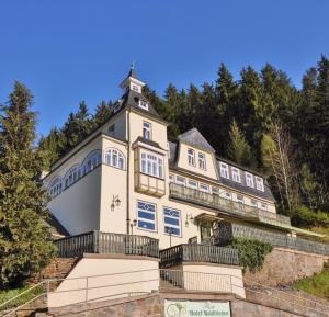 Flair-Hotel Waldfrieden - Deesbach