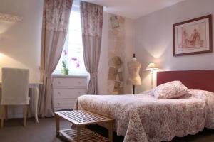 Hotel Saint Yves 2 étoiles à Nantes avec terrasse et jardin