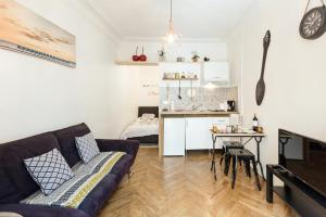 AMAZING 1 bedroom LOFT in NICE city centre seafront