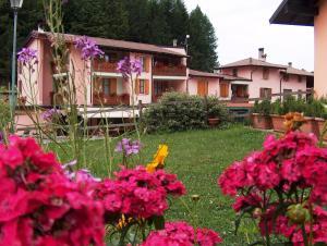 Hotel Ristorante Camping Edelweiss - AbcAlberghi.com