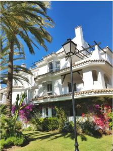 Puerto Banus Los Naranjos, Apartmány  Marbella - big - 12