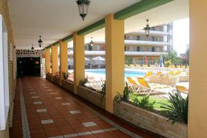 Apartamentos Buensol, Apartmanok  Torremolinos - big - 19