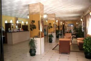 Apartamentos Buensol, Apartmanok  Torremolinos - big - 9