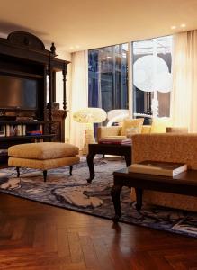 hotel overnachting met je hond in andaz amsterdam. Black Bedroom Furniture Sets. Home Design Ideas