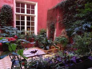 Location gîte, chambres d'hotes Hôtel de l'Amphithéâtre dans le département Bouches du rhône 13