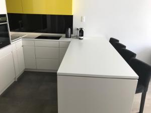 Nadmorski Dwór Yellow Apartment