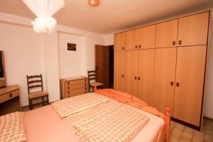 Apartments Flora, Apartmány  Pješčana Uvala - big - 22