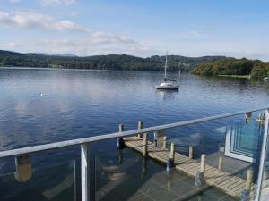 obrázek - Lakeshore Boathouse