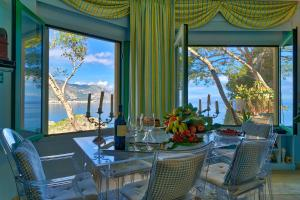 Luxury Apartment and Charm Sea View Isola Bella - AbcAlberghi.com