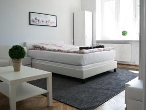 Charming & Quiet Central Apartment