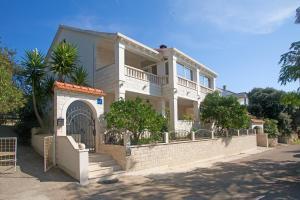 Nevija Apartment, 20273 Čara