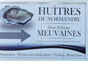 Chambres et Tables d'hôtes à l'Auberge Touristique, Bed and breakfasts  Meuvaines - big - 44