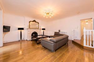 Luxurious 3 Bed Apartment Ballsbridge area