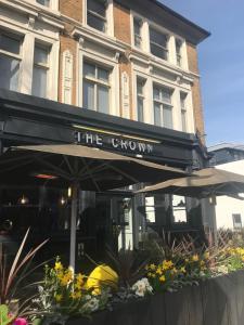 PubLove @ The Crown, Battersea - Brighton & Hove