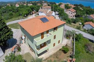 Apartments and rooms with parking space Nerezine (Losinj) - 2506