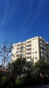 Geni Apartment - Arape-Rashbulli