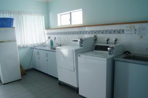 Accommodation on Denham, Motel  Townsville - big - 12