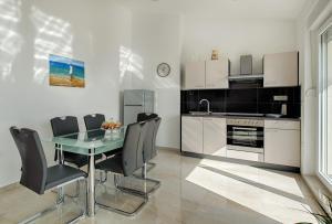 Cezar Luxury Apartment, Apartmány  Omiš - big - 5