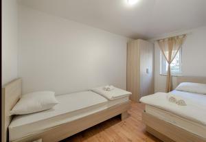 Cezar Luxury Apartment, Apartmány  Omiš - big - 16