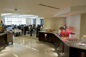 Carlton Tower Hotel, Hotely  Dubaj - big - 26