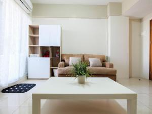 obrázek - Comfy 2 BR Gading Greenhill Apartment By Travelio