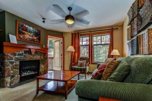 Eagle Springs West 204: Evergreen Suite