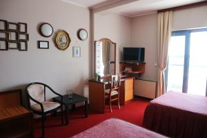 Hotel Bavaria - First Library Hotel, Hotely  Trogir - big - 36